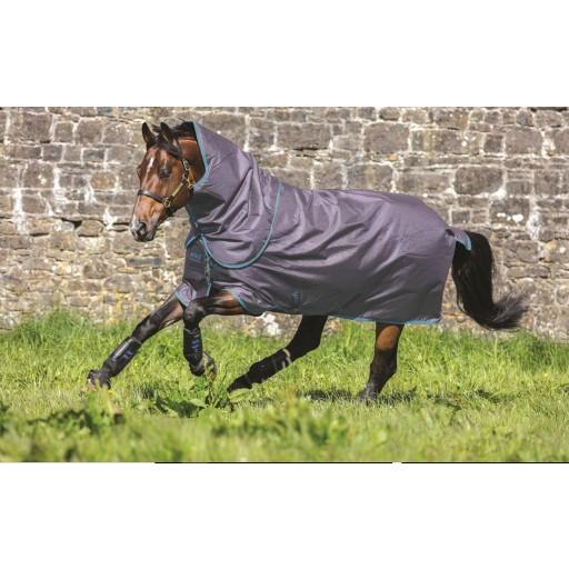 Horseware Amigo SuperHero Plus Medium Weight 150g Turnout